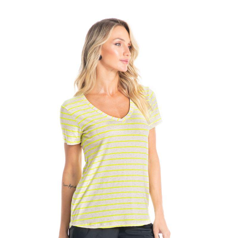 Camiseta-Basica-Em-Viscolinho-Vivi-Neon-Daniela-Tombini