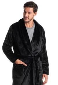 Robe longo masculino escuro.