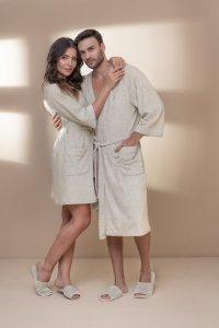 casal veste roupão masculino longo e feminino