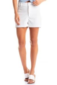 short feminino de tecido branco