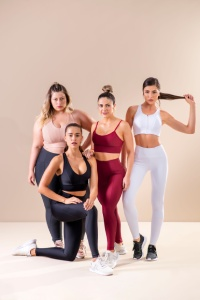 Top fitness plus size.