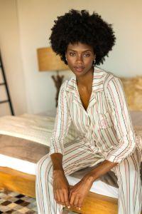pijama com calça capri listrada